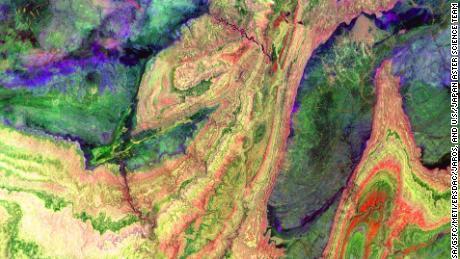 تشكلت جبال الأطلس الصغير في المغرب منذ حوالي 80 مليون سنة ، عندما اصطدمت إفريقيا وأوراسيا.