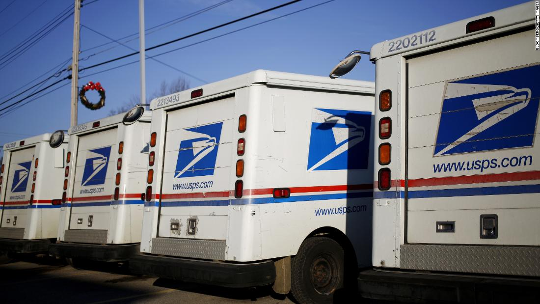 Feds say 'overwhelmed' mailman stashed 17,000 pieces of mail