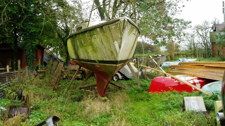 Dave Selby's M H22 yacht before...