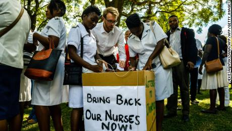 Nurses gathered at the Unity Square in Harare, Zimbabwe's capital last Friday to offer free health care to the public to protest their dismissal.