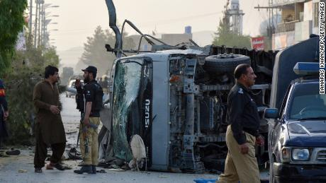 Pakistani security officials cordon off the site of a suicide bombing attack in Quetta on April 24, 2018. - At least six policemen were killed and 15 security personnel were wounded on April 24 when three suicide bombers blew themselves up in quick succession in southwest Pakistan, officials said. (Photo by BANARAS KHAN / AFP)        (Photo credit should read BANARAS KHAN/AFP/Getty Images)