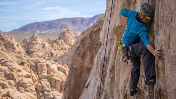 Joshua Tree is a vertical playground perfect for climbers and boulderers. With over 8,000 climbing routes and 2,000 boulder problems to choose from, there