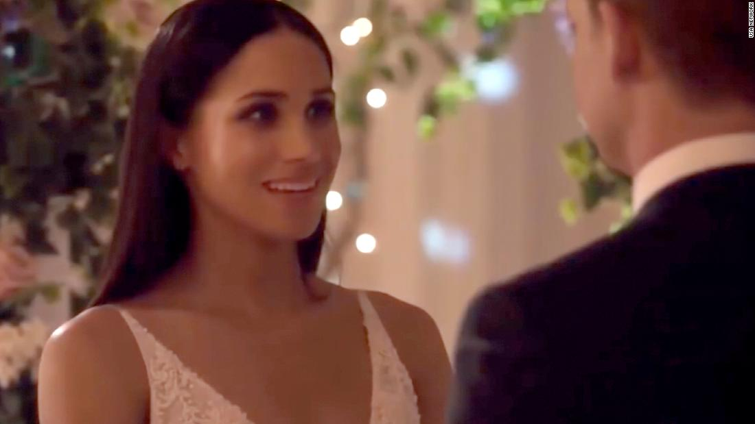 Meghan markle in suits 3