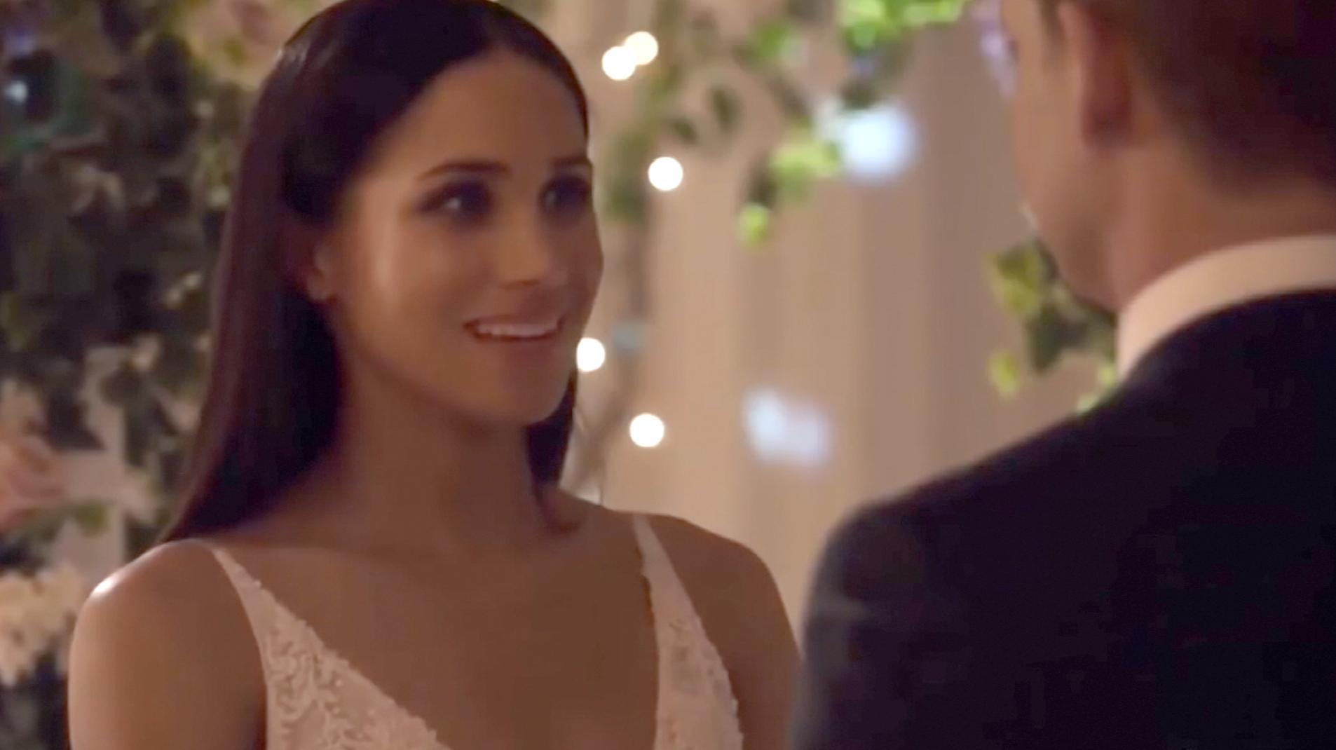 Meghan Markle walks down aisle on \'Suits\' - CNN Video