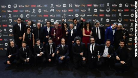 "Winners pose for a family photo at the end of the 4th edition of the ""Premios Platino"" for Ibero-American Cinema awards ceremony in Madrid on July 22, 2017. / AFP PHOTO / PIERRE-PHILIPPE MARCOU        (Photo credit should read PIERRE-PHILIPPE MARCOU/AFP/Getty Images)"