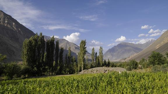 Mastuj: The lush town of Mastuj in Khyber-Pakhtunkhwa province is famous for its historical Mastuj fort and other old ruins.