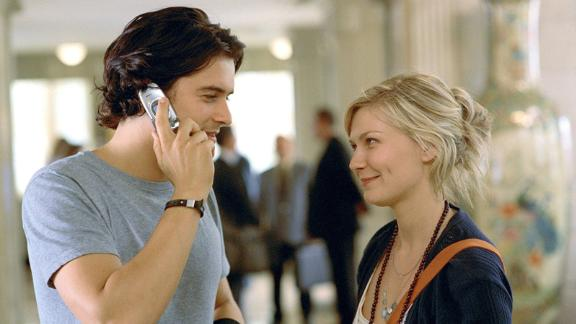 """""""Elizabethtown"""": Orlando Bloom and Kirsten Dunst star in this film about a man who starts a romance after returning home for his father"""