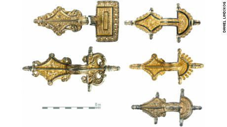 Five gilded relief brooches in silver were found in five deposits.