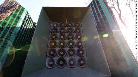 South Korea begins dismantling propaganda speakers