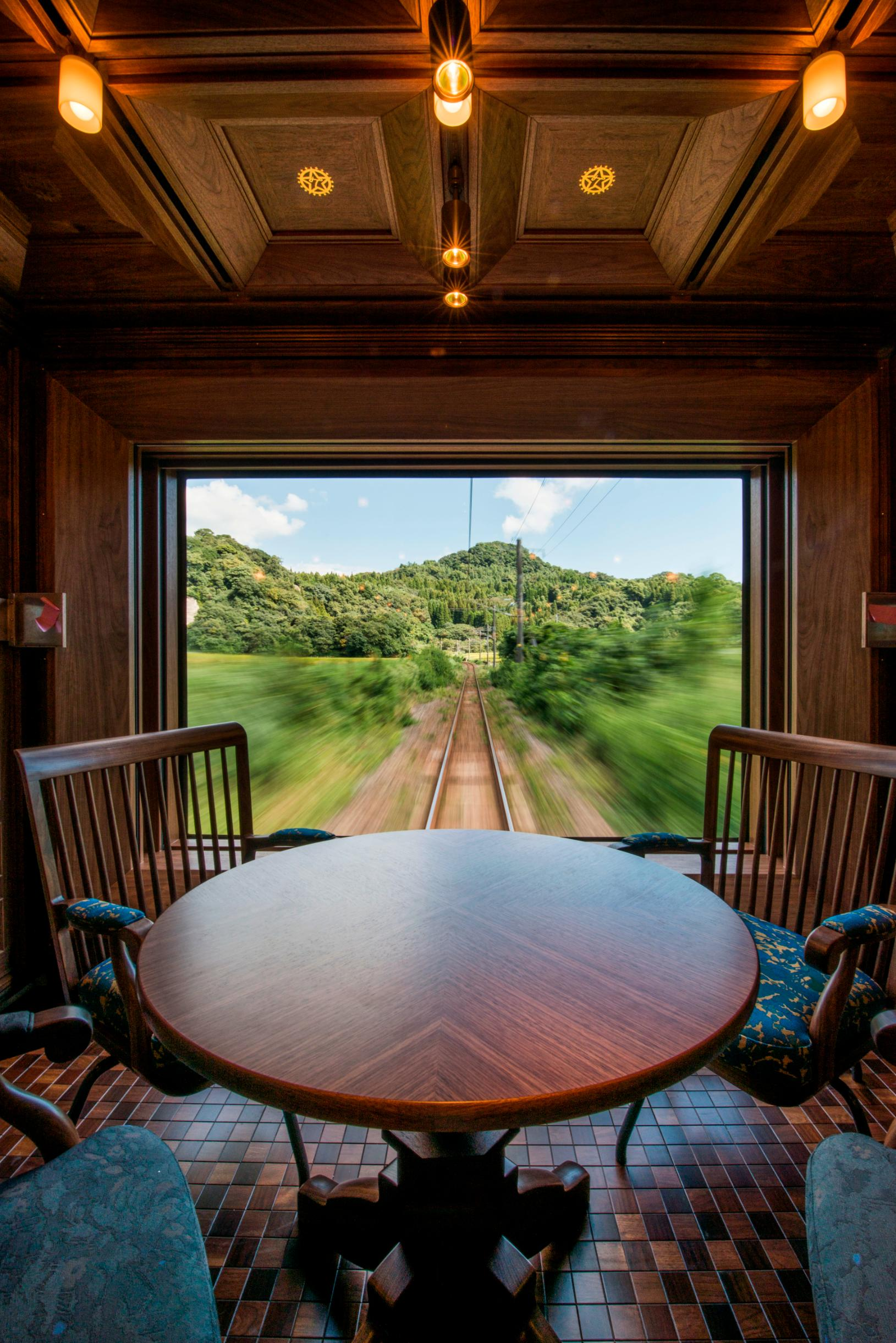 Seven Stars: Riding the world\'s most luxurious train - CNN Style
