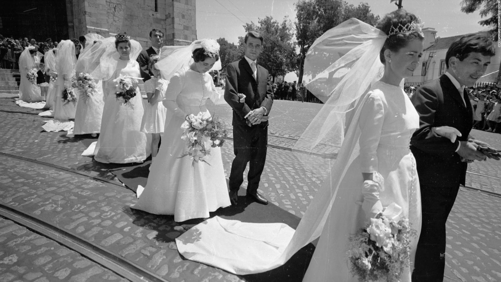 da41783394e The white wedding dress - its history and meaning - CNN Style