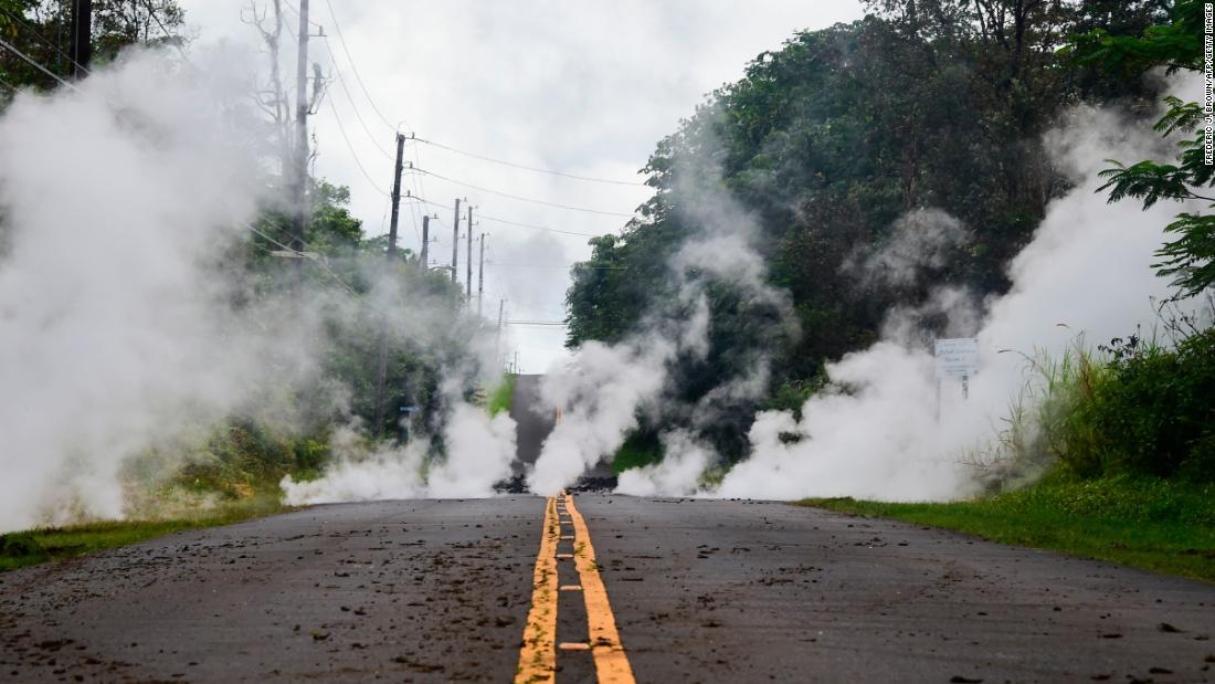 Hawaii residents on Big Island face triple threat: Lava, earthquakes and 'lethal' gas
