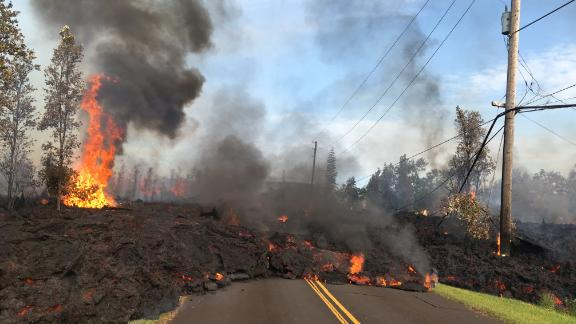 At 07:45 a.m. HST, today, lava from fissure 7 slowly advanced to the northeast on Hookapu Street in Leilani Estates subdivision on Kīlauea Volcano