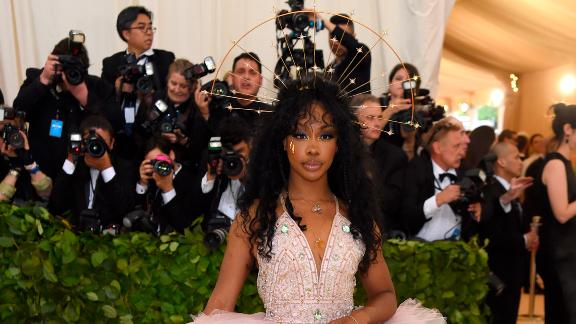Headpieces were popular among A-listers at Monday night