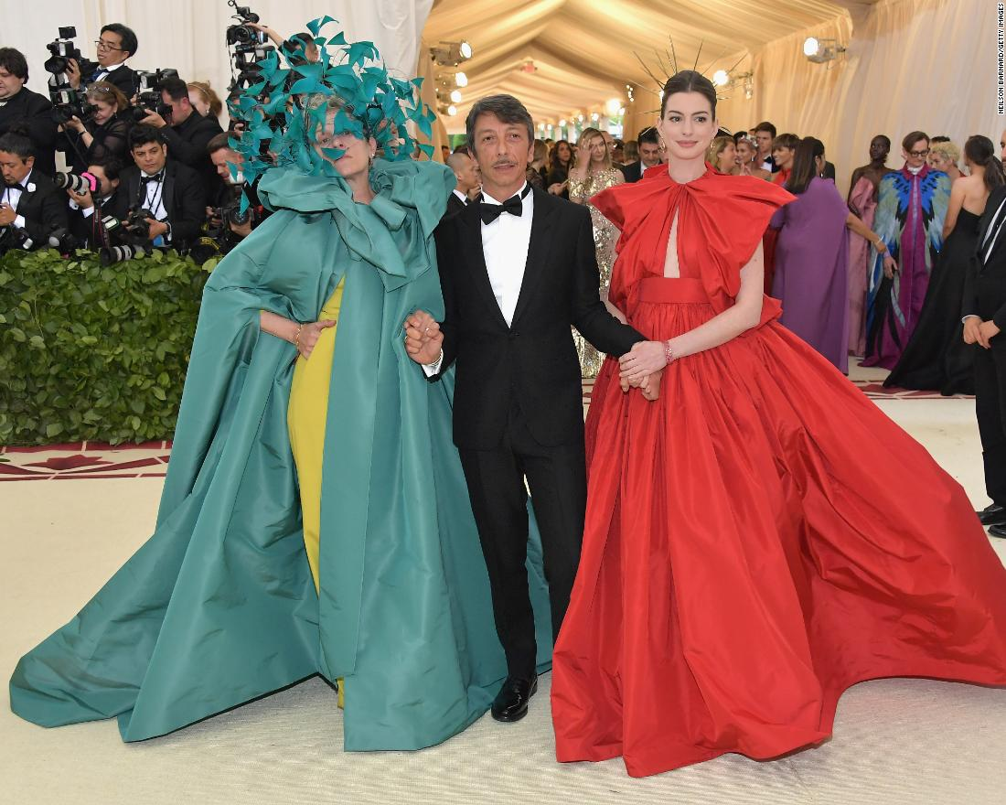 "Wearing a piece by Valentino, Frances McDormand said ""<a href=""https://twitter.com/wmag/status/993638525542260737"" target=""_blank"">I'm a pagan</a>."""