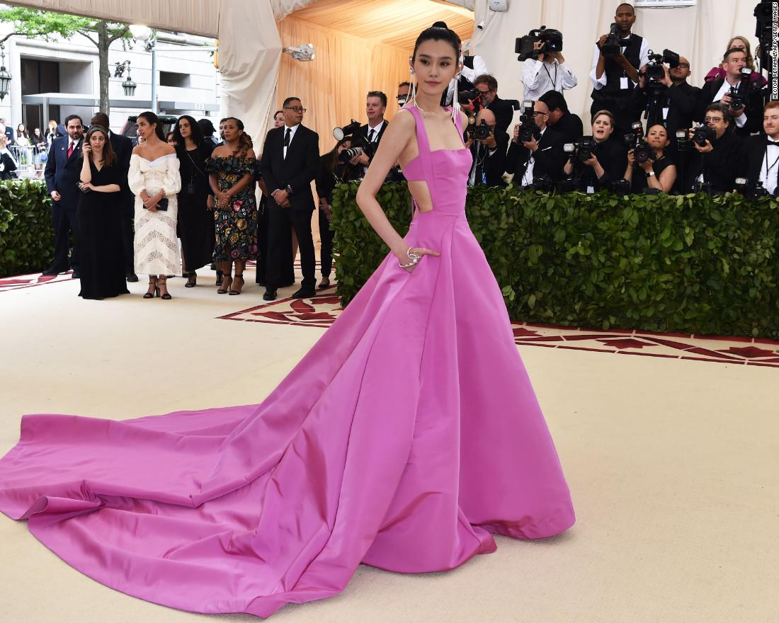 Chinese model Ming Xi arrives for the Met Gala. <br />