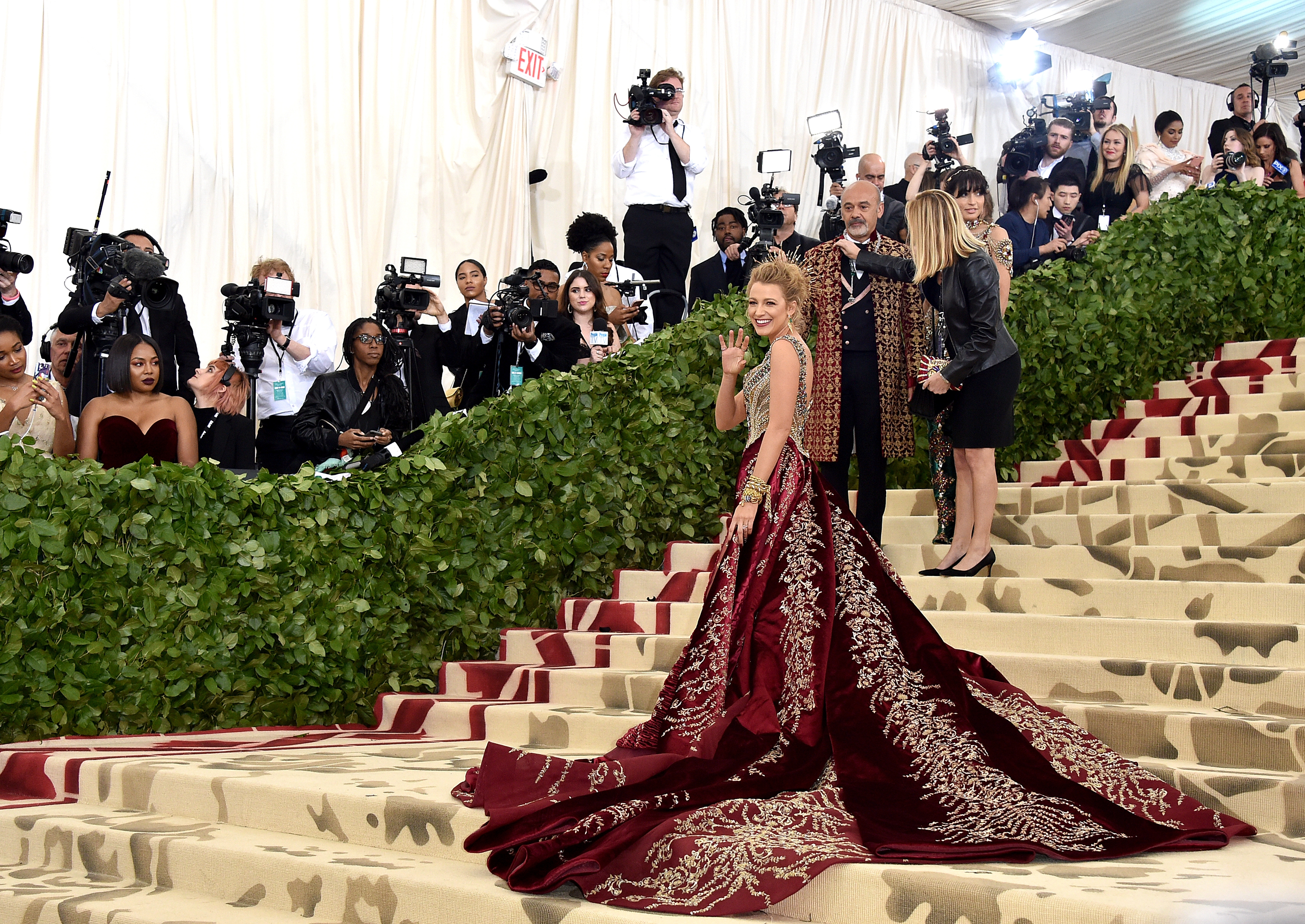 2019 year lifestyle- Red style carpet met gala event
