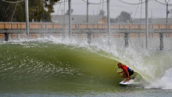 Surfing legend Kelly Slater has pioneered a revolutionary new artificial wave in Lemoore, central California -- 100 miles from the coast.