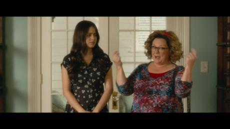 Melissa McCarthy is the 'Life of the Party'_00001101