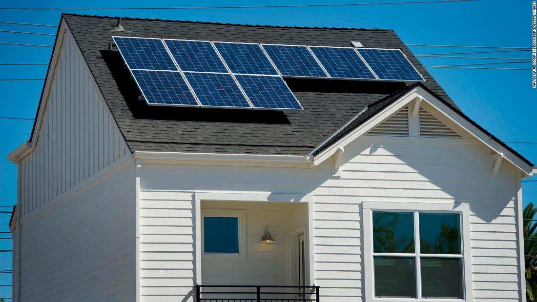 California Energy Commission approves plan requiring solar panels on new homes