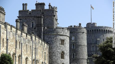 LONDON, ENGLAND - MAY 08:  A general view of Windsor Castle as the town prepares for the wedding of Prince Harry and his fiance US actress Meghan Markle, on May 8, 2018 in Windsor, England. St George's Chapel at Windsor Castle will host the wedding of Britain's Prince Harry and US actress Meghan Markle on May 19. The town, which gives its name to the Royal Family, is ready for the event and the expected tens of thousands of royalists.  (Photo by Dan Kitwood/Getty Images)