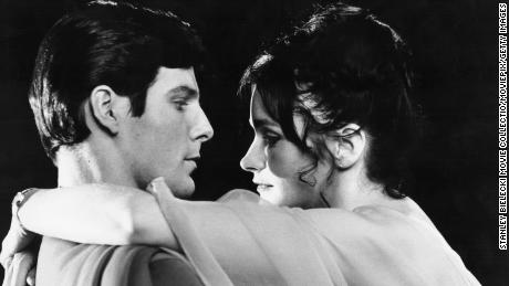 Actors Christopher Reeve and Margot Kidder in a scene from the movie 'Superman', 1978. (Photo by Stanley Bielecki Movie Collection/Getty Images)