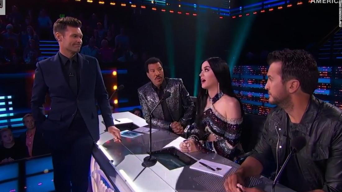 See Seacrest's awkward moment with Katy Perry - CNN Video