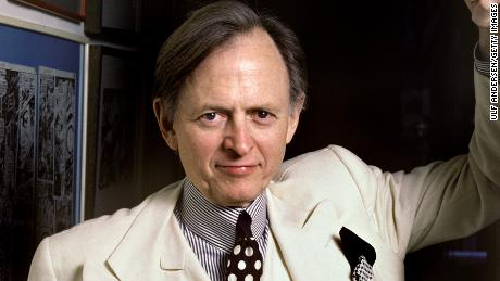 NEW YORK, UNITED STATES - JANUARY 17. American writer Tom Wolfe during Portrait Session held on january 17, 1988 at home in New York, USA. (Photo by Ulf Andersen/Getty Images)