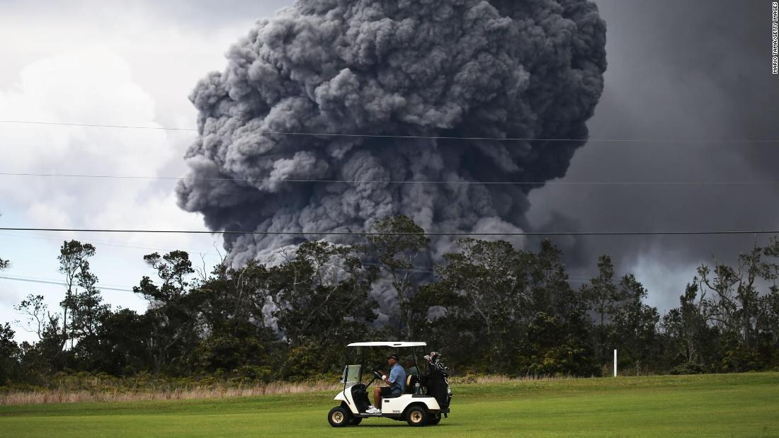 The eruption of the Kilauea volcano has destroyed houses, caused evacuations and threatened to wreak havoc on Hawaii's tourism industry but that didn't stop some golfers from carrying on with their game and playing a few rounds.