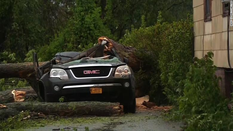 Deadly storms pummel Northeast