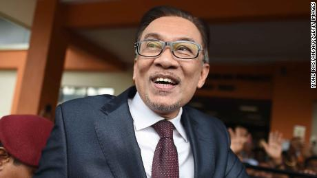 Malaysia politician Anwar Ibrahim returns to politics