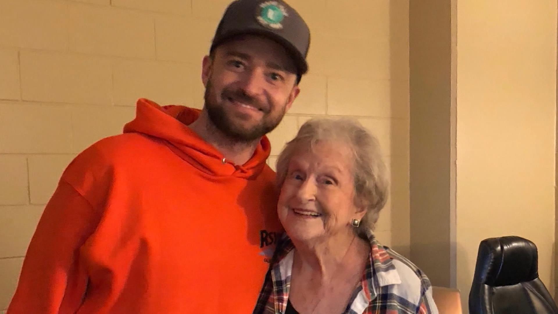 Justin timberlake surprises 88 year old fan cnn video m4hsunfo