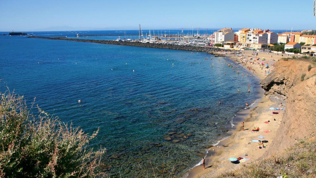 第3位:阿格德角沙灘(Cap dAgde) - 法國