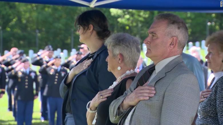 Veteran's ashes discovered, gets proper burial