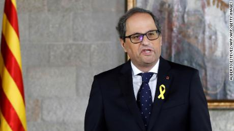 "Newly appointed Catalan president Quim Torra delivers a speech during an official swearing-in ceremony at the Generalitat Palace in Barcelona on May 17, 2018. - Torra, Catalonia's controversial new separatist president, was sworn in during a short ceremony where he avoided promising to obey the constitution and pledged instead to be faithful to ""the will of the Catalan people"". (Photo by Alberto Estévez / POOL / AFP)        (Photo credit should read ALBERTO ESTEVEZ/AFP/Getty Images)"