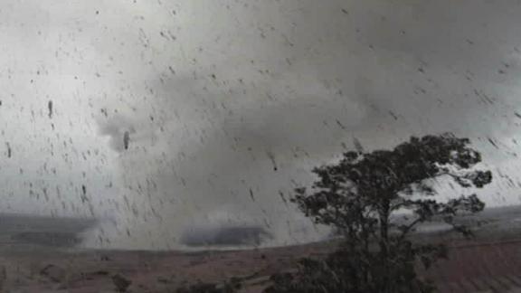 mt kilauea summit volcano eruption main crater mclean bpr ip_00000001.jpg