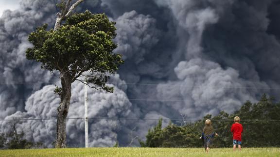 An ash plume fills the sky last week at Hawai'i Volcanoes National Park.