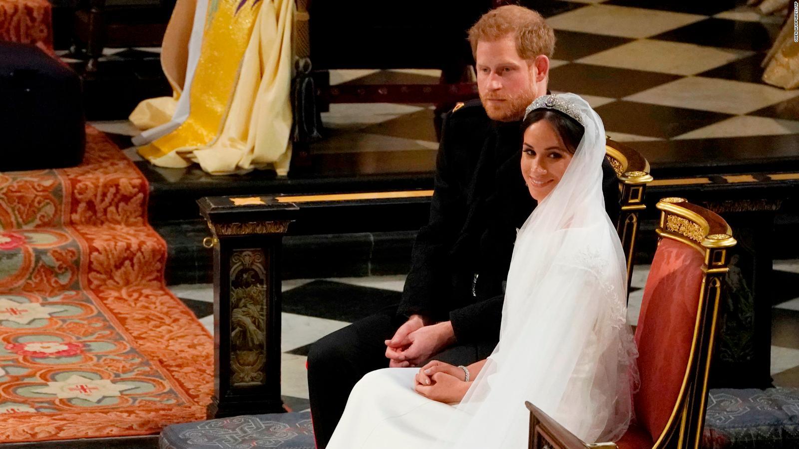 Meghan Wears Stella Mccartney Dress To Evening Royal Wedding Reception Cnn Style