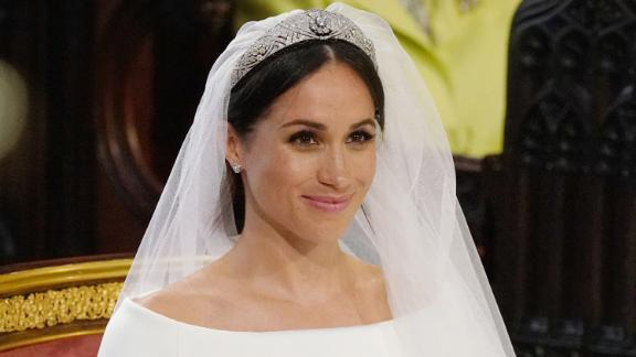WINDSOR, UNITED KINGDOM - MAY 19:  Meghan Markle stands at the altar during her wedding in St George's Chapel at Windsor Castle on May 19, 2018 in Windsor, England. (Photo by Jonathan Brady/WPA Pool/Getty Images)