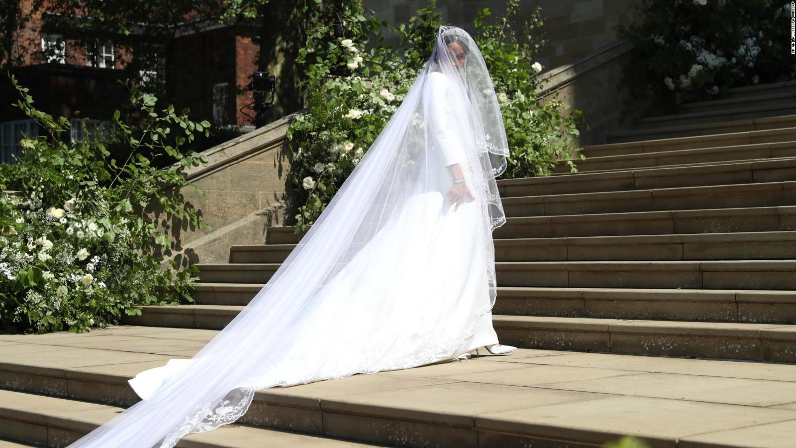 meghan duchess of sussex s wedding dress on display cnn style meghan duchess of sussex s wedding