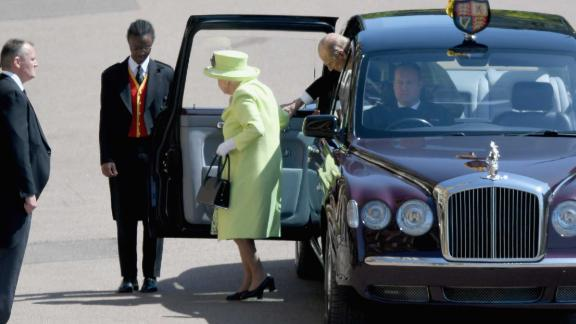 WINDSOR, ENGLAND - MAY 19:  Queen Elizabeth II and Prince Phillip Duke of Edinburgh arrive at the wedding of Prince Harry to Ms Meghan Markle at St George's Chapel, Windsor Castle on May 19, 2018 in Windsor, England. Prince Henry Charles Albert David of Wales marries Ms. Meghan Markle in a service at St George's Chapel inside the grounds of Windsor Castle. Among the guests were 2200 members of the public, the royal family and Ms. Markle's Mother Doria Ragland.  (Photo by Shaun Botterill/Getty Images)