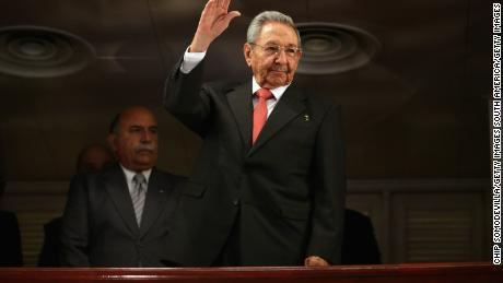 HAVANA, CUBA - MARCH 22:  Cuban President Raul Castro (C) acknowledges applause as he arrives at the Gran Teatro de la Habana Alicia Alonso to hear a speech by U.S. President Barack Obama in the hisoric Habana Vieja, or Old Havana, neighborhood March 22, 2016 in Havana, Cuba. Described as a message to the Cuban people about his vision for the future of Cuba, Obama's speech will be nationally televised to the 11 million people on the communist-controlled island.  (Photo by Chip Somodevilla/Getty Images)