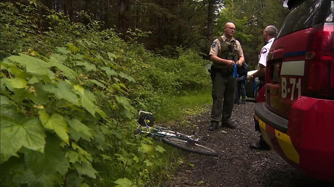 Cougar kills mountain biker, injures another in Washington state