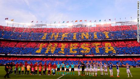 "Supporters saluted the departing midfielder with the message ""Infinit Iniesta"" ahead of kickoff."