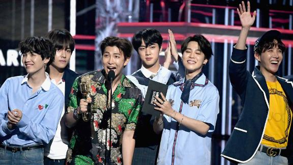 LAS VEGAS, NV - MAY 20:  Musical group BTS accepts an award onstage during the 2018 Billboard Music Awards at MGM Grand Garden Arena on May 20, 2018 in Las Vegas, Nevada.  (Photo by Ethan Miller/Getty Images)