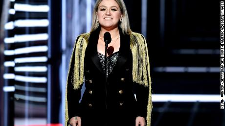 LAS VEGAS, NV - MAY 20:  Host Kelly Clarkson speaks onstage during the 2018 Billboard Music Awards at MGM Grand Garden Arena on May 20, 2018 in Las Vegas, Nevada.  (Photo by Kevin Winter/Getty Images)