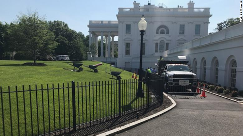 Washington (CNN) There Was A Plant And A Cover Up Tuesday At The White  House. The Sinkhole ...