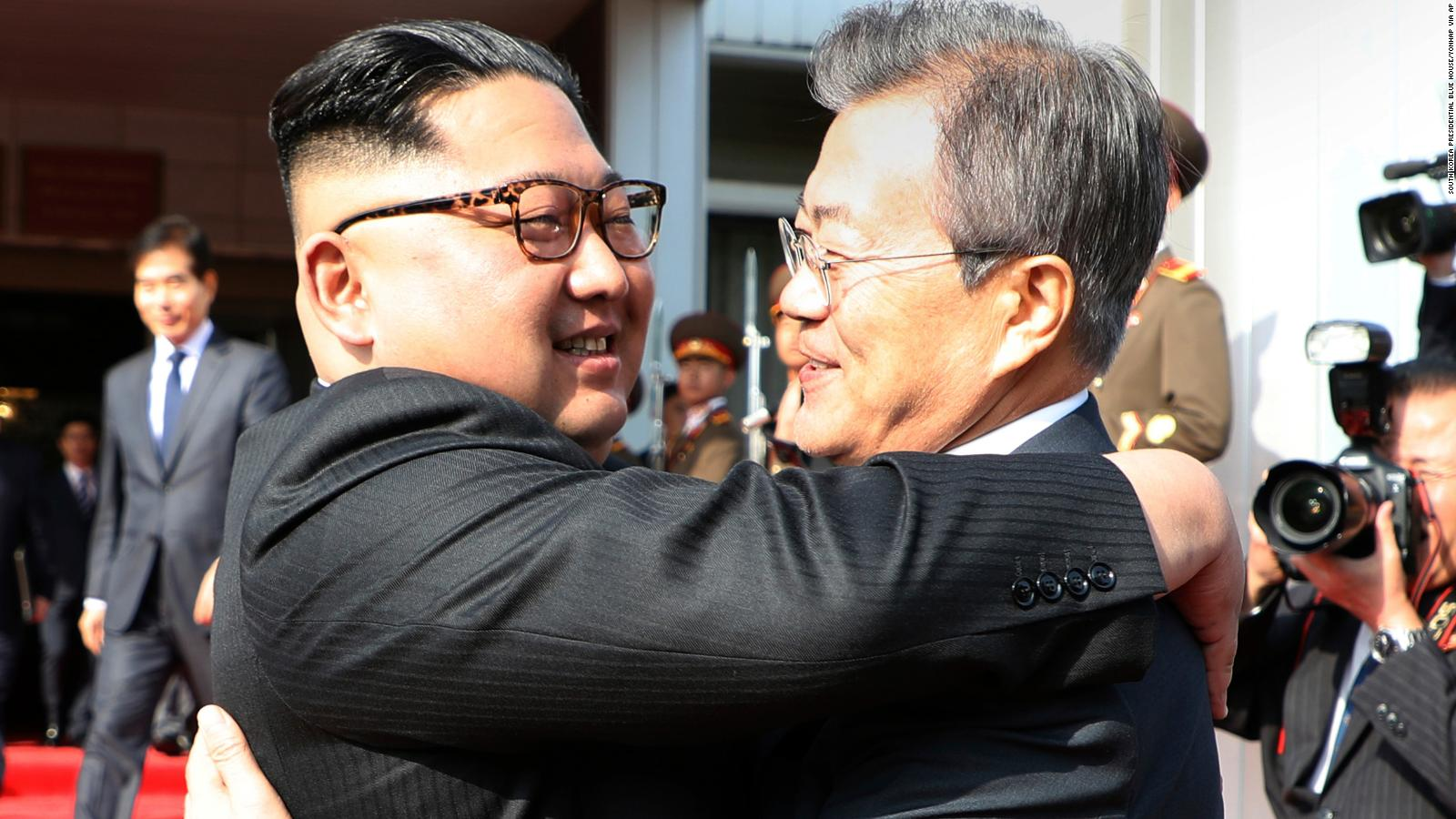 North And South Korean Leaders Hold Surprise Meeting Cnnpolitics
