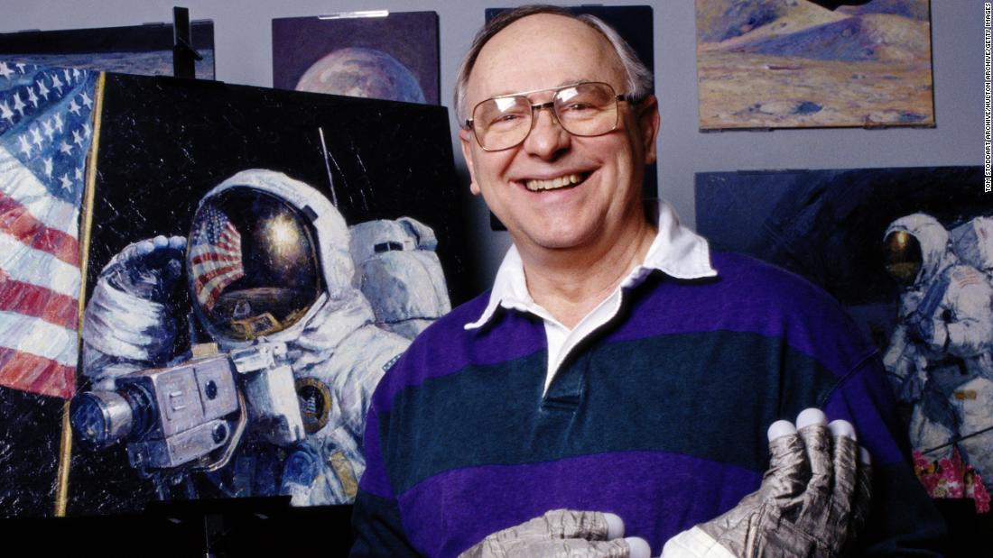 Alan Bean, 4th person to walk on the moon, dies