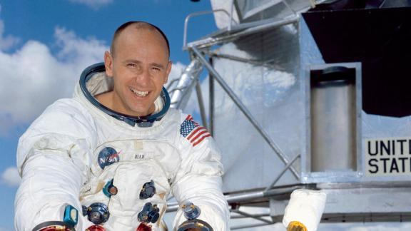 Apollo and Skylab astronaut Alan Bean, the fourth human to walk on the moon and an accomplished artist, has died, according to a family obituary posted to NASAís website. Bean, 86, died on Saturday, May 26, at Houston Methodist Hospital in Houston, Texas. His death followed his suddenly falling ill while on travel in Fort Wayne, Indiana two weeks before, the statement said.